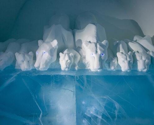 CLEAR WATER / by Mååg & Byman / Art suite #211 seasonal 2019 / ICEHOTEL #30 / Photo Asaf Kliger
